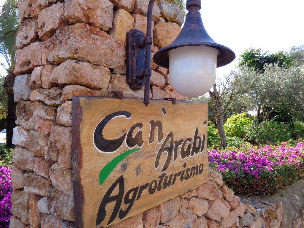 canarabi.com puerta entrada hotel rural