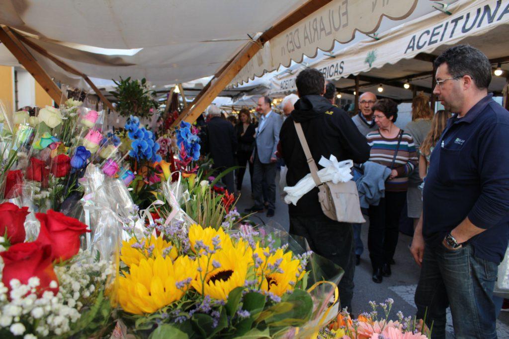 canarabi.com flores en las fiestas de mayo de santa eulalia